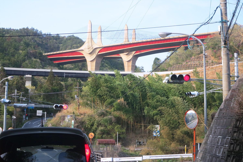 甲賀市の絶景 新名神高速道路・近江大鳥橋がインパクトありすぎ